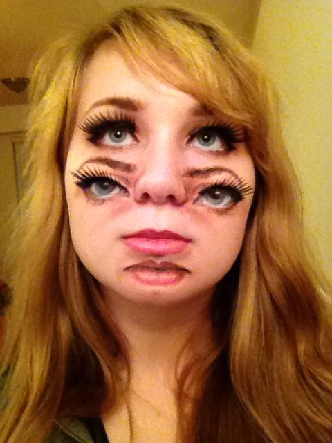 This Two-faced Halloween Makeup Will Absolutely Give You ...