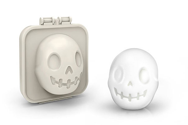 skull-egg-mold-egg-o-matic-1