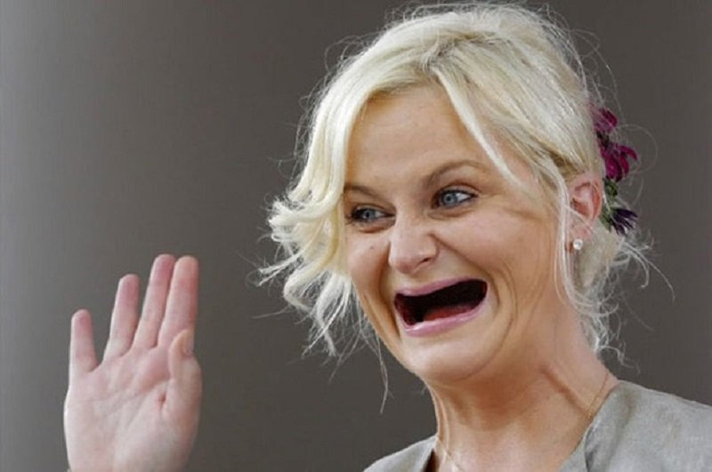Amy Poehler Without Teeth