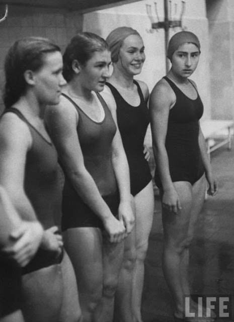 100+ Completely Random But Cool Pictures From History ( Part 1 )